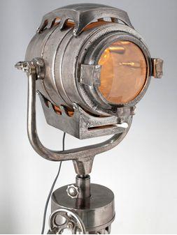 Landmark-Iluminacion-TRIPODE-NEW-YORK-SMALL-LamparaDePie-2